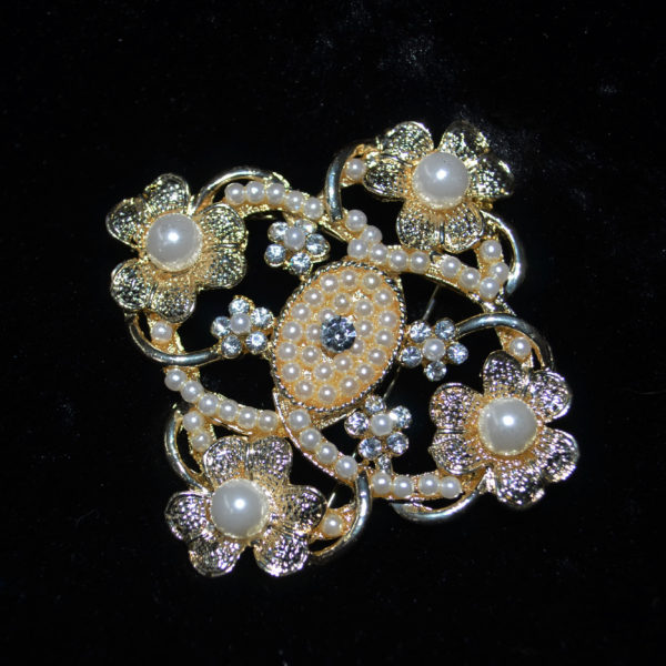 Pearl and rhinestone brooch 1-2
